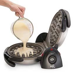 Presto-03510-FlipSide-Belgian-waffle-maker